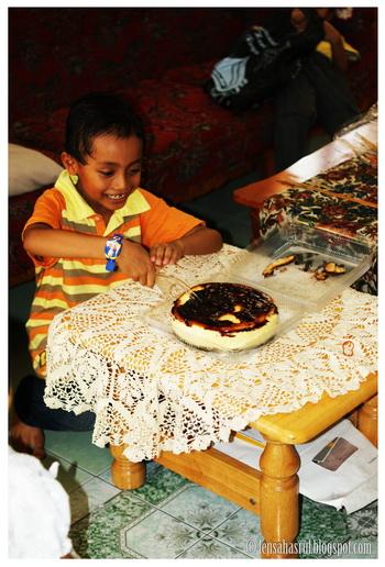 Wordless Wednesday #WW - Birthday Amri 5 Tahun!