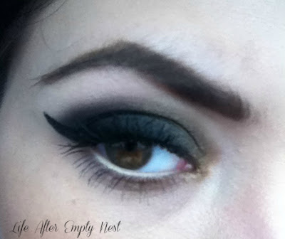 Make Up Tips - How to Emphasize Your Eyes
