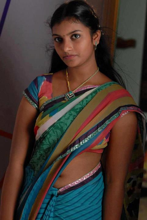 Desi Knockers: Desi Indian hot girls show in traditional