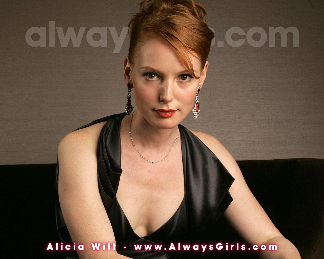 http://3.bp.blogspot.com/-3HrZle-25IM/UTd8HP583mI/AAAAAAAAHhw/OG7ZRJMbs9U/s1600/Alicia+Witt+5.jpg