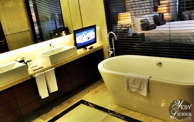 staycation at oakwood premier hotel manila in ortigas
