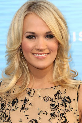 Carrie Underwood Gold Decorative Earrings