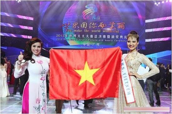 Hoa hậu Trần Thị Quỳnh đeo băng sai tên nước tại cuộc th