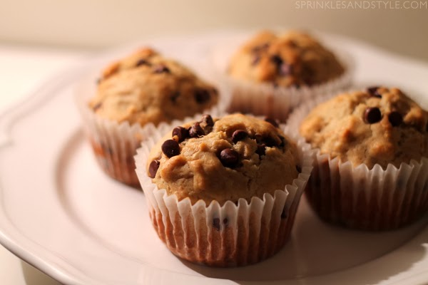 Banana Chocolate Chip Muffins || Sprinkles and Style