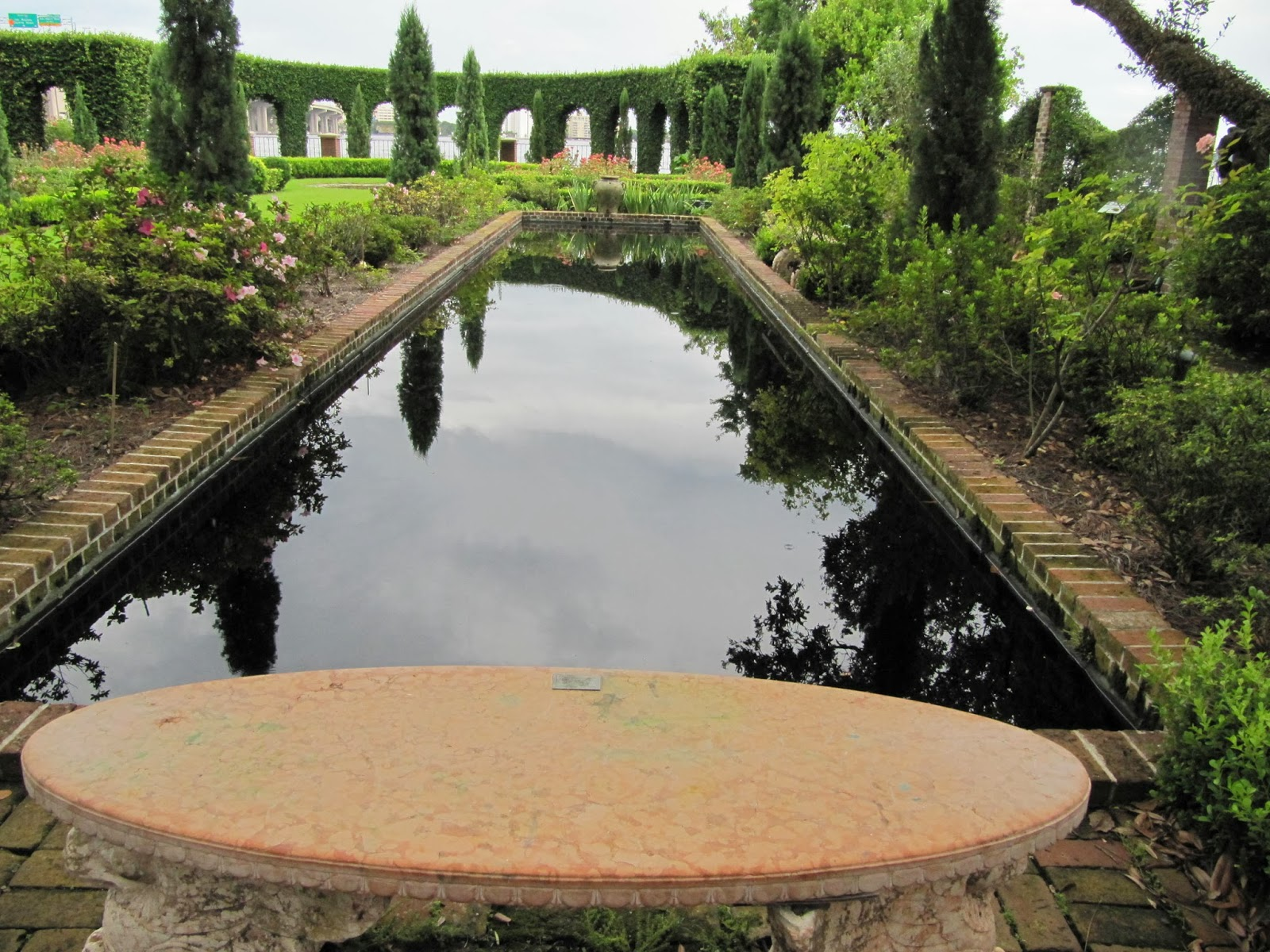 Musings of a mixed media artist cummer museum of fine for Garden reflecting pool