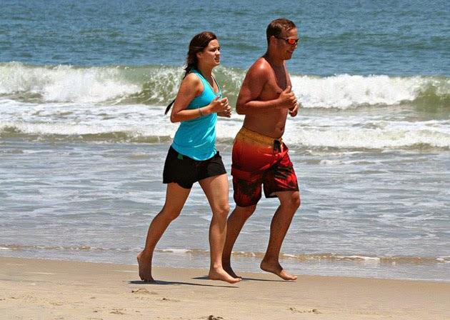 Running correr en la playa