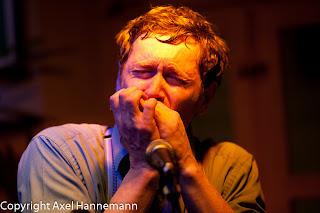 Steven Finn am 13.04.2012 im Cafe Gramsci