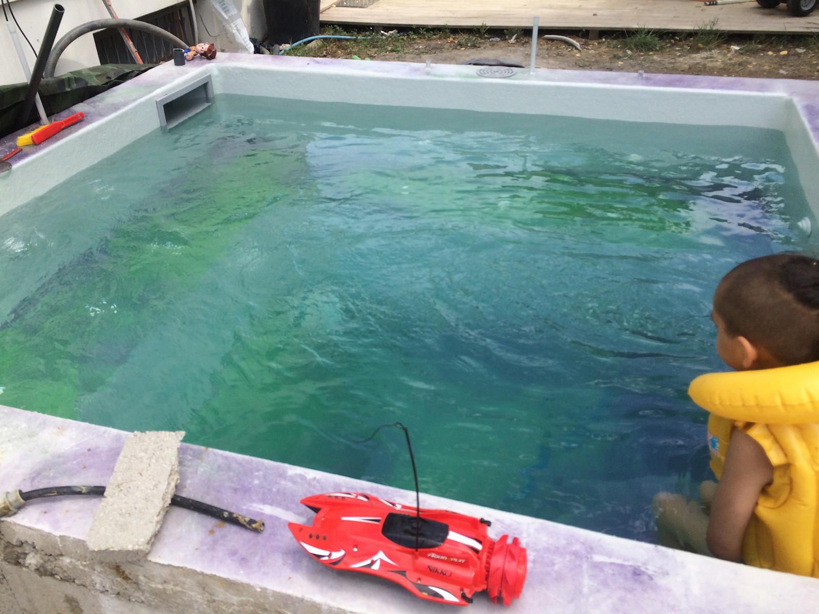 Mise en eau de la piscine construction d 39 une petite for Ab construction piscine