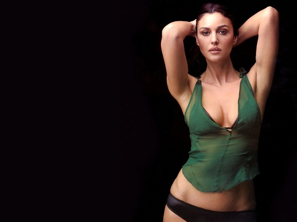 Monica Bellucci Hot Wallpaper