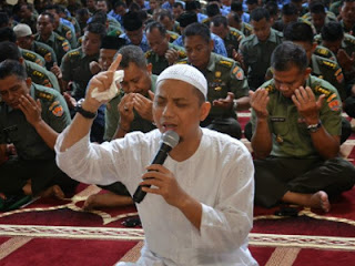 Ustadz Arifin Ilham (foto fan page KH Muhammad Arifin Ilham)