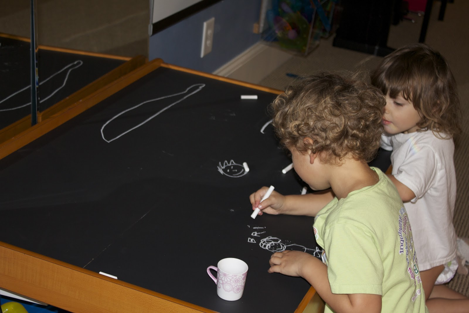 Diy activity table activities for children do it yourself play diy activity table activities for children do it yourself play at home mom solutioingenieria Images