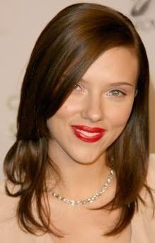 Scarlett Johansson morocha