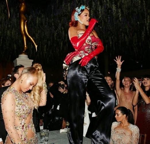 Photo: Beyonce, Rihanna and Kim K at Met Gala after-party  978441817561645293_104877447