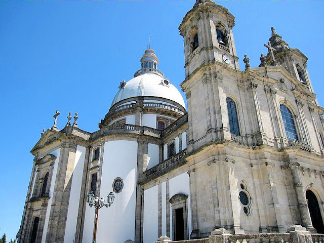 The Sanctuary of Nossa Senhora in Lamego, Portugal, is one stop on the Port Wine & Flamenco river cruise itinerary. Photo: WikiMedia.org.