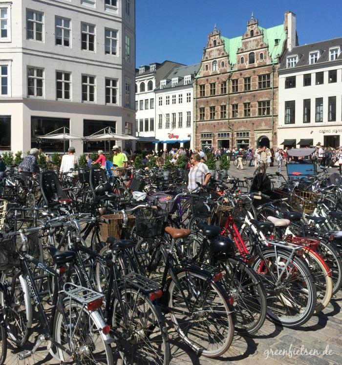 Fahrrad-Parkplatz im Stadtzentrum von Kopenhagen