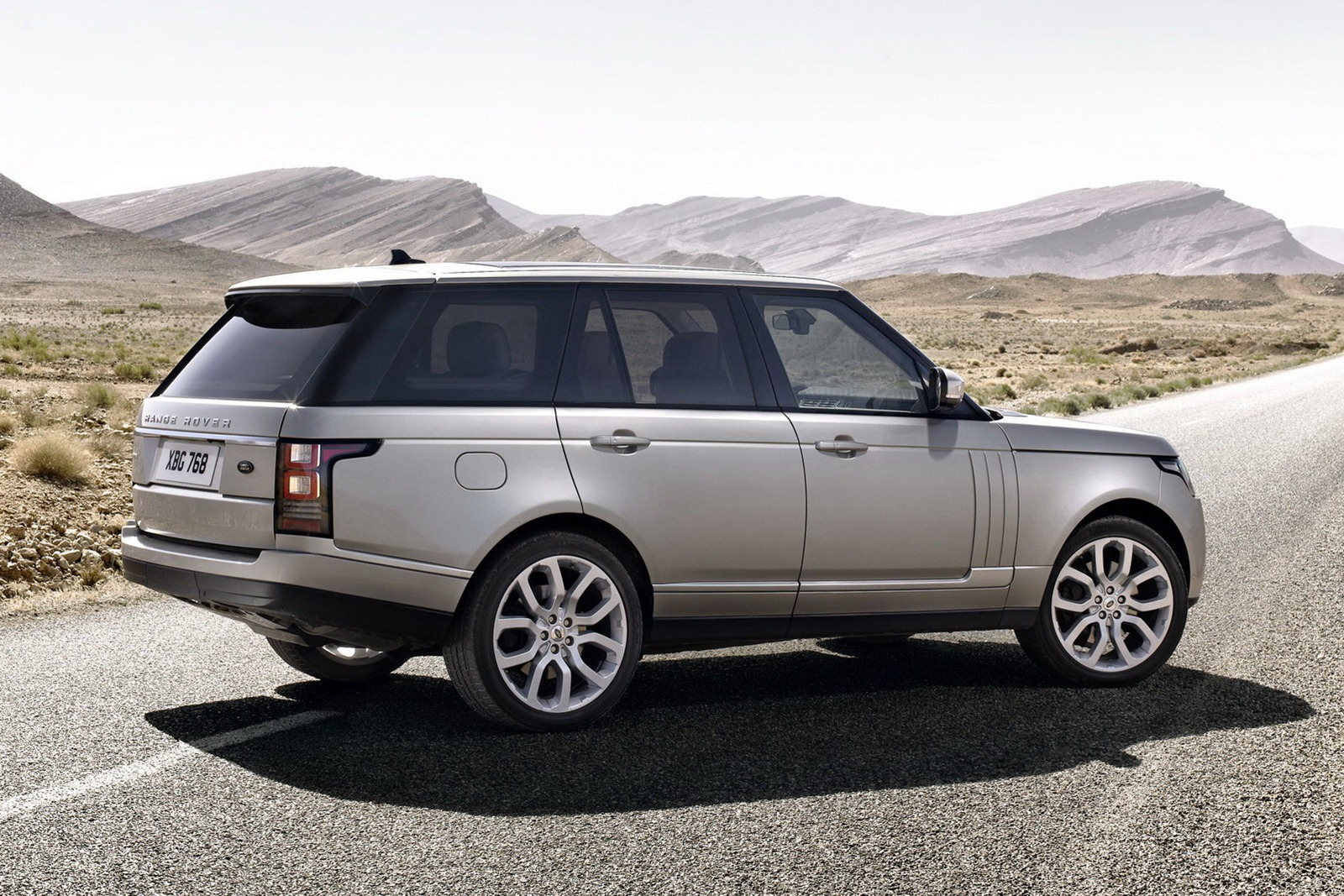 price land rover range rover 4 in india price dakho india 2013 reviews and details top cars. Black Bedroom Furniture Sets. Home Design Ideas