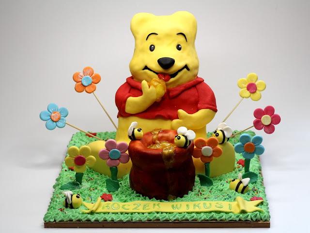 Winnie the Pooh  - Birthday Cake in London