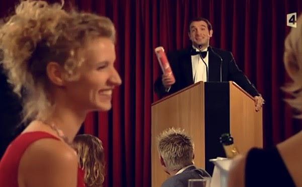 Chroniques en s rie un gars une fille la remise de prix for Contacter jean dujardin
