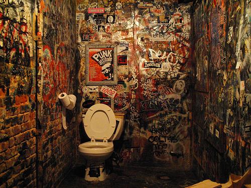 Art 7039s punk culture for Punk rock bathroom decor