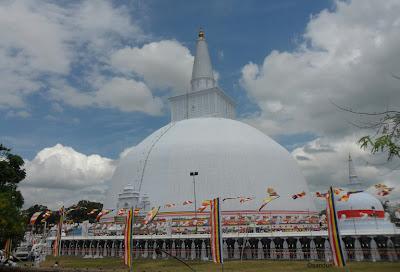 swarnamali stupa ruwanwelisaya sri lanka