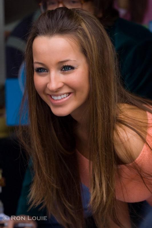 Ashley Leggat | Celebrities Photos Hub