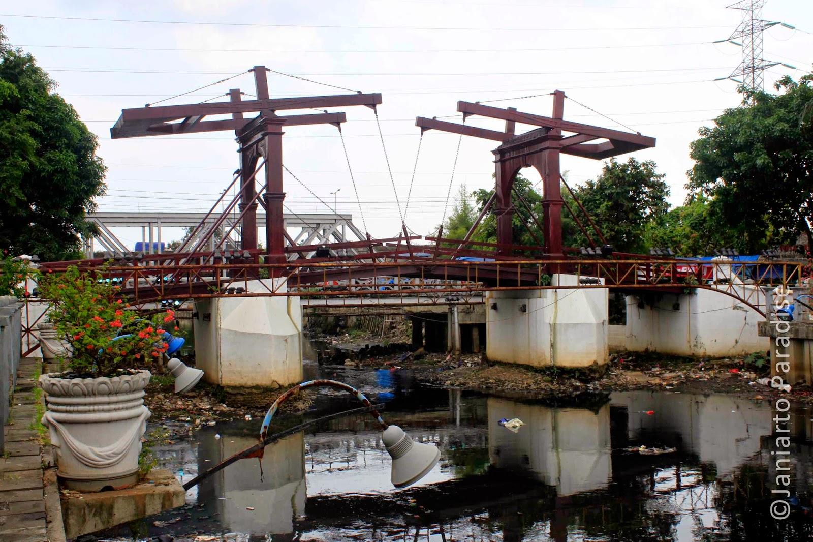 Kota Inta Bridge - Jakarta Old Town