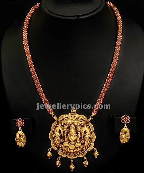 long chain with pota rubies and nagas pedent by vummidi jewelelrs