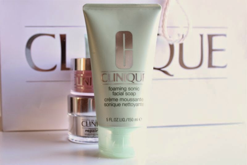 Clinique Foaming Sonic Facial Soap