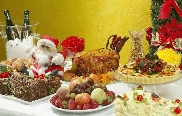 decoracao festa natal:As bebidas devem ter como base o seguinte cálculo: uma garrafa de