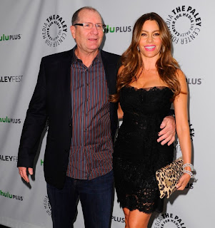 sofia vergara modern family cast at paleyfest