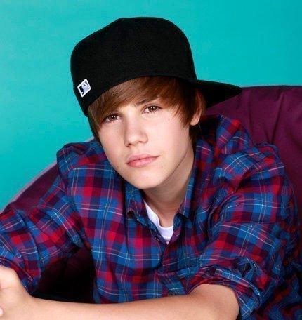 Biography Justin Bieber on Justin Biber Justin Bieber 21592171 430 456 Jpg