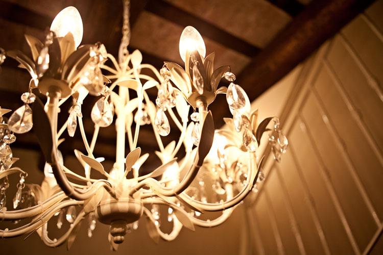 Idee Arredo Osteria: Oltre 1000 idee su tavolo altezza bancone da bar ...