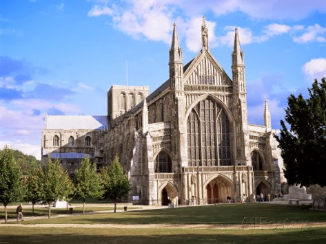 The johnson diaries life on the edge king arthur his knights that round table - Winchester cathedral round table ...