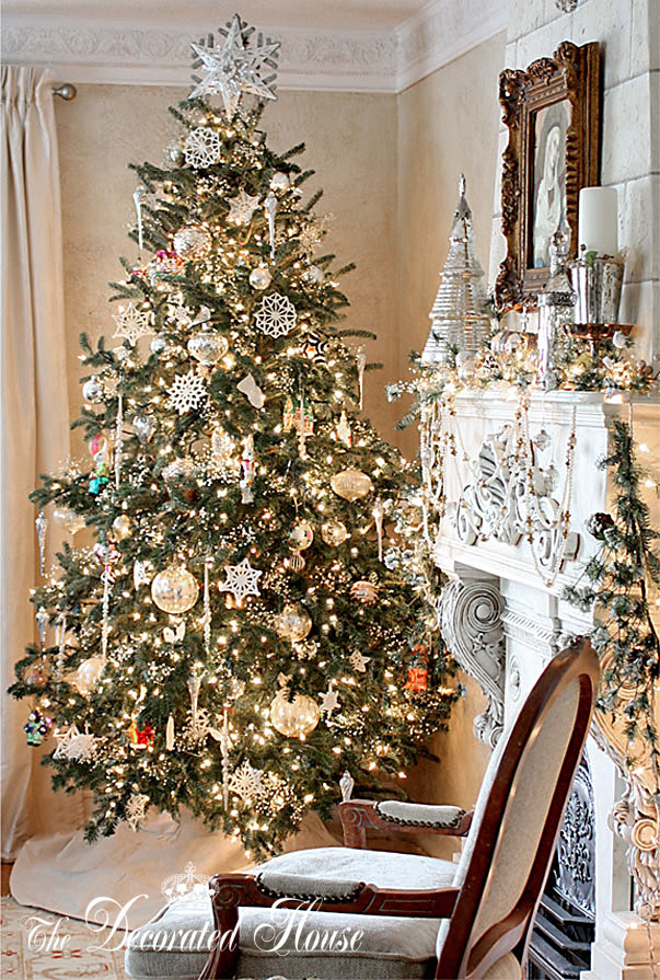 The Decorated House Christmas Tree Sparkle