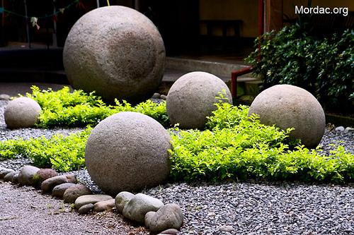 concrete garden spheres instructions