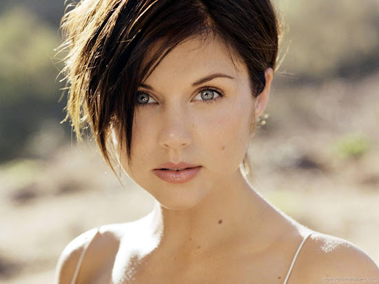 Tiffani Thiessen Hollywood Actress HD Wallpaper-1440x1280