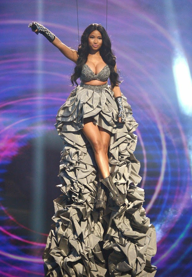 Nicki Minaj with the costume used for the EMA opening on Sunday, 9 in Glasgow, Scotland. The model is the designer Peter Hidalgo
