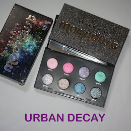 .Urban Decay Moondust Eyeshadow paletta