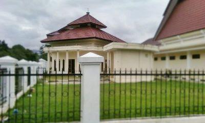 pemandangan masjid parigi
