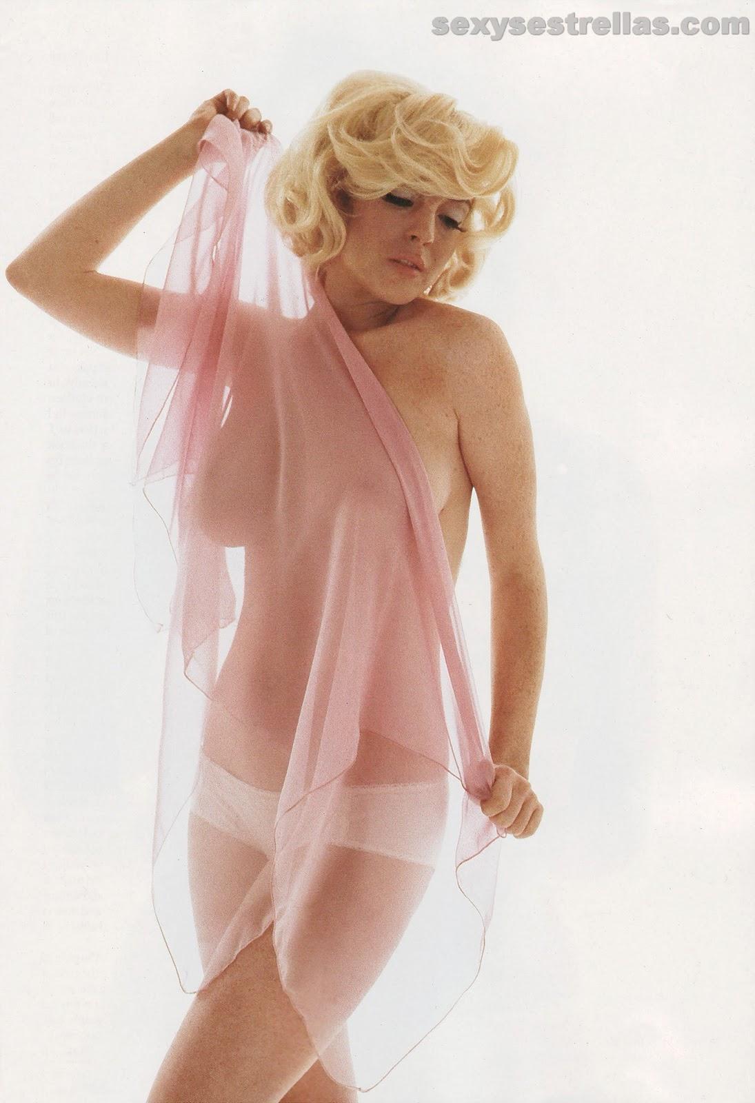 http://3.bp.blogspot.com/-3LY966w4ZsQ/TVb0cWbnKcI/AAAAAAAAGvc/a2DeyFohlic/s1600/lindsay-lohan-sin+ropa.jpg
