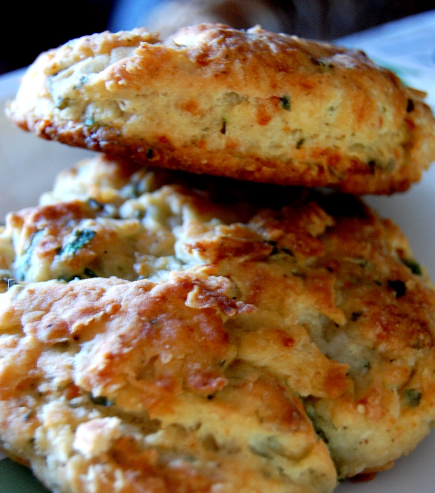 PromiseMe2....and A Lot About Food!: Parmesan-Herb Biscuits