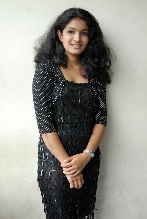 gayatri new actress pics
