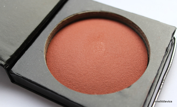 one little vice beauty blog: talc free powder blush