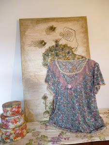 Remera de gaza de algodon con terminaciones a crochet