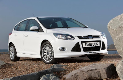 Ford Focus Zetec S (2012) Front Side