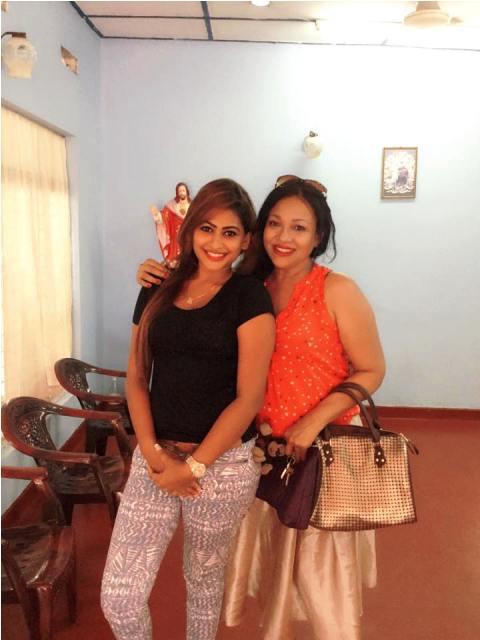Piumi Hansamali and gettha kumarasinghe