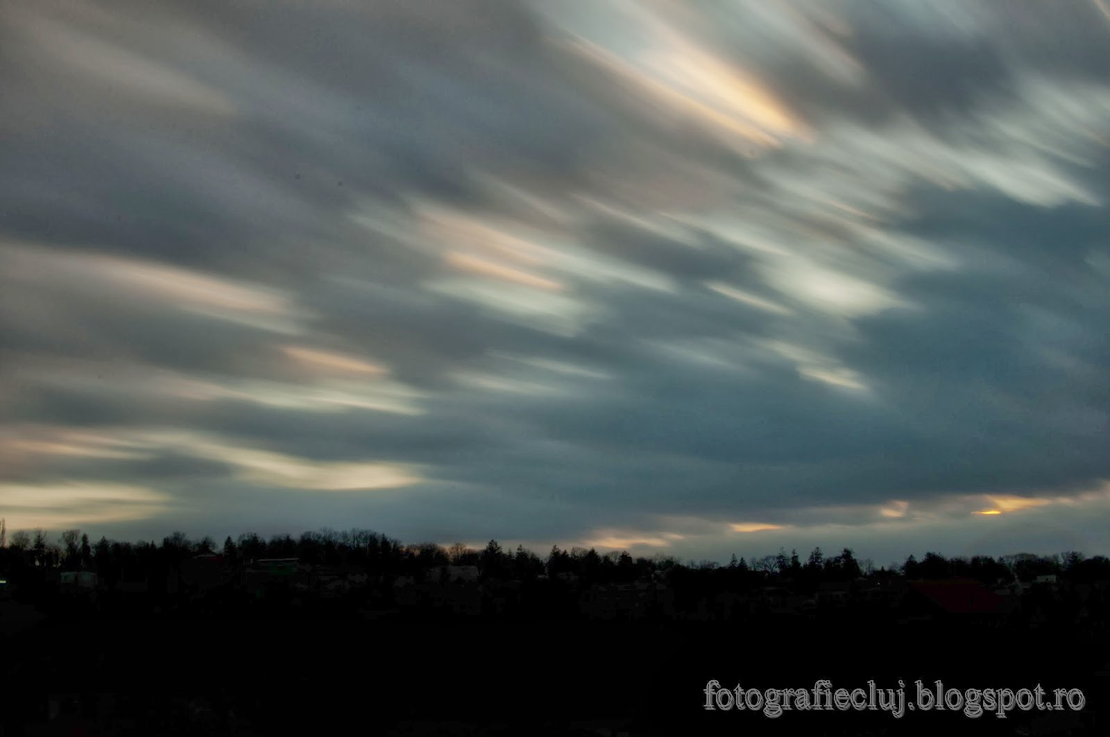 Trecerea norilor pe cer, fotografiată cu filtrul cu densitate neutră Hoya NDX400 _DSC8292