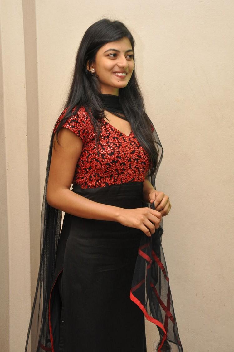 hq pics n galleries anandhi at trisha leda nayanthara audio launch