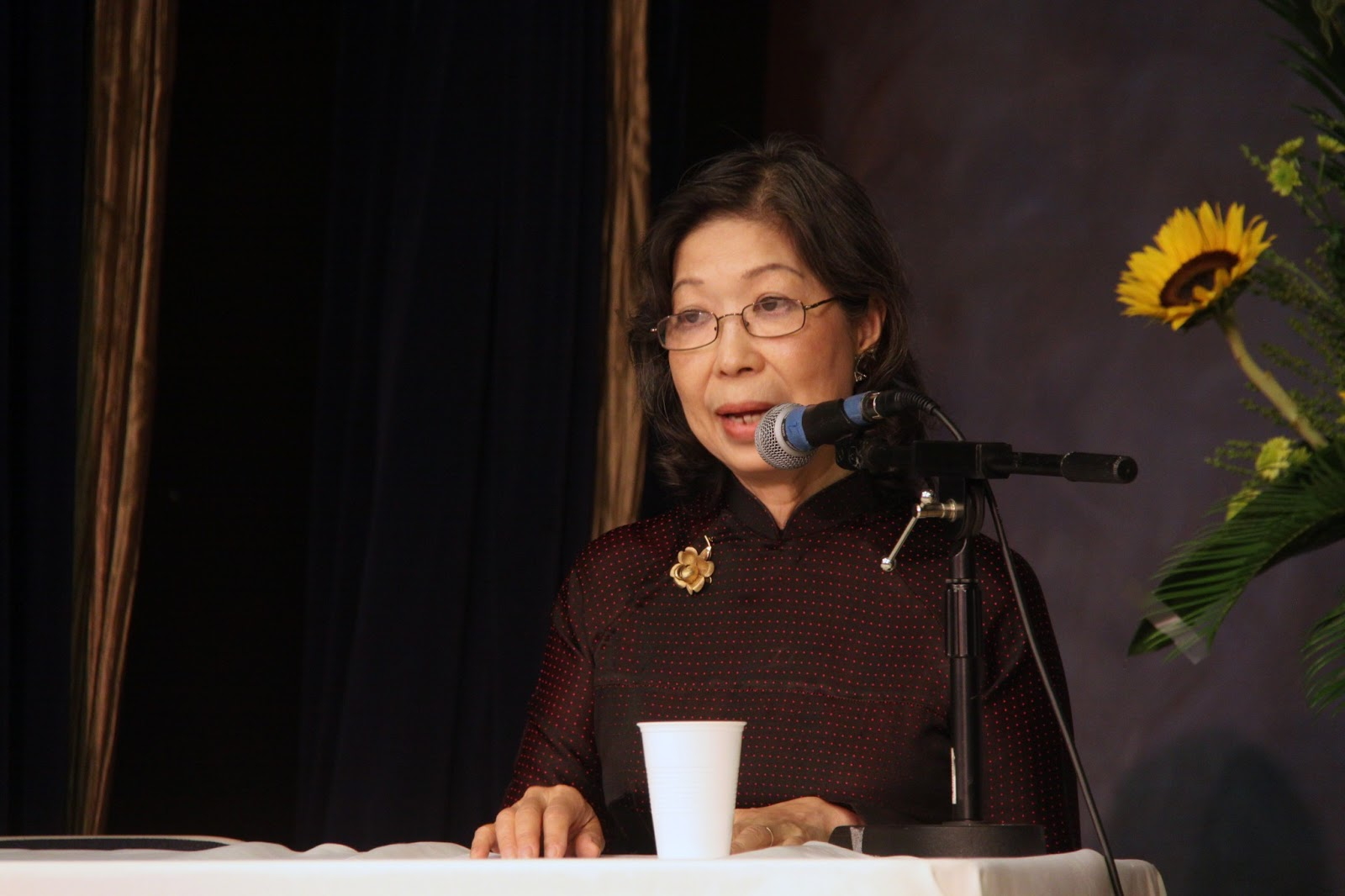 Image result for PHẠM THẢO NGUYÊN tự lực văn đoàn