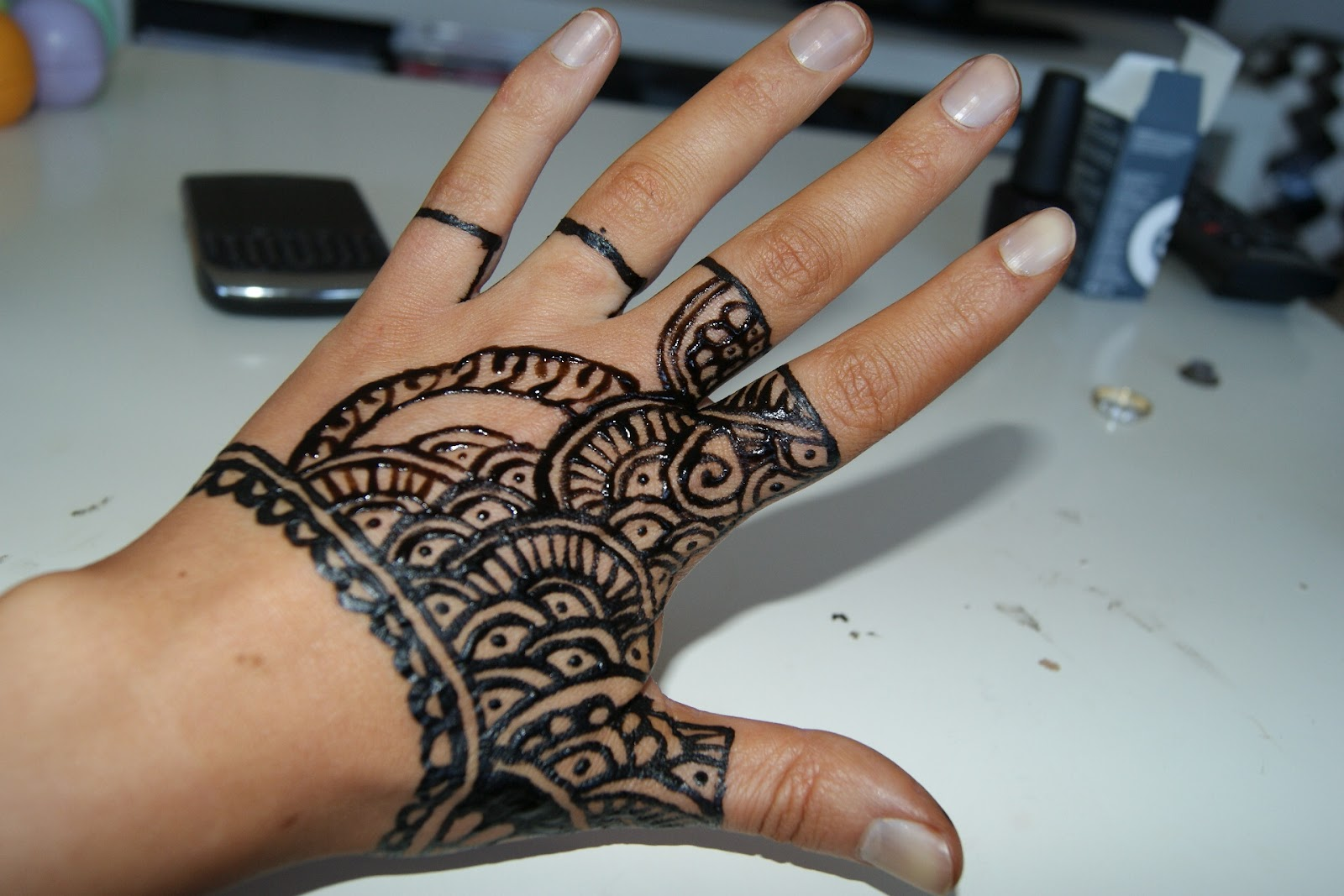 Fashion Beauty Glamour The Henna Glove Tutorial